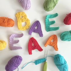 Crochet colorful alphabet letters for special applique projects or to use on homemade cards. Link to free crochet letter patterns can be found in the post. Crochet Letters Pattern, Easter Crochet Patterns, Letter Patterns, Crochet Motif, Crochet Flowers, Knitting Patterns, Crochet Home, Crochet Gifts, Crochet Baby