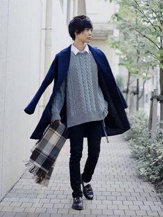 20 more japan winter fashion men ~ japan wintermode män. Winter Outfits Men, Stylish Mens Outfits, Casual Outfits, Asian Fashion, Boy Fashion, Fashion Outfits, Fashion Design, Japanese Fashion Men, Japan Winter Fashion