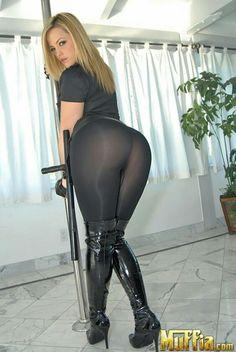 Milf in stretch pants