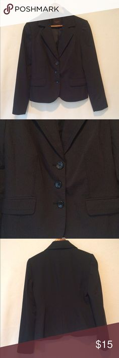 The Limited Pinstripe Blazer 🔥 Reasonable offers considered 🛍 Bundle 2 or more items and save! 🎁 Bundle 5 items and I will reimburse the shipping fee 🎉. Beautiful black blazer with light blue pinstripes - absolutely gorgeous for your next night out or to nail that interview! Measures 17 inch armpit to armpit and 21.5 inch shoulder to bottom hem. Made of polyester, rayon, and spandex. Preloved and in excellent condition! The Limited Jackets & Coats Blazers