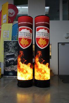 Blow Up Werbesäule inkl. LED Beleuchtung - absoluter Hingucker auf Ihrem Event! Bringen Sie Ihre Werbung groß raus - mit aufblasbaren Lichtsäulen von no problaim. Begriffe: Werbesäulen, Luftsäule, Eventsäule, Leuchtsäulen, Litfasssäule Popcorn Maker, Up, Kitchen Appliances, Interior Lighting, Fire Department, Advertising, Light Fixtures, Diy Kitchen Appliances, Home Appliances
