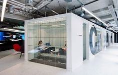 Creston is a communications firm based in London that has recently moved into a new space designed by Oktra.
