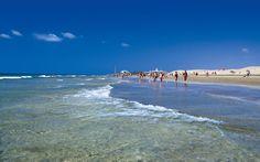 Playa del Ingles, Maspalomas, Gran Canaria (España) playa de 3 kilometros con dunas y arena fina y aguas tranquilas