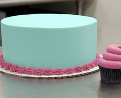 Learn how to get perfectly smooth icing like the pros by following these easy steps.