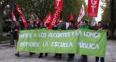 La lluvia no puede con las protestas contra la Ley Wert y miles de personas se lanzan a las calles para pedir su retirada