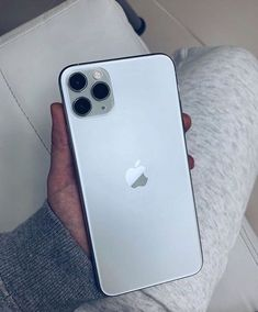 Do you like the iPhone 11 Pro Max Silver What Do You Think ? Yes or No … – Electronique Electrique – technologie Iphone Pro, New Iphone, Apple Iphone, Iphone Cases, Fone Apple, Telephone Smartphone, New Electronic Gadgets, Tech Gadgets, Get Free Iphone