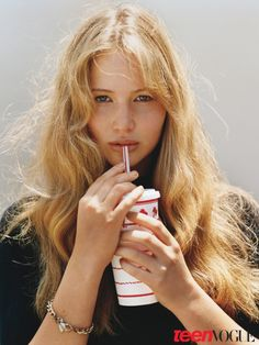 Jennifer Lawrence by Alasadiar McLellan, Meet the young Hollywood´s class of 2010, Teen Vogue