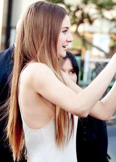 Shailene, love her hair so much Shailene Woodley, Cut Her Hair, Hair Cuts, Beautiful Celebrities, Beautiful Actresses, Hunger Games, Star Wars, Female Actresses, Beautiful Long Hair