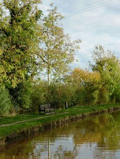 Canal towpath near Acton, Cheshire  Shropshire Union Canal. Photo by Roger Kidd