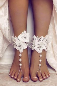ed077ecf05d2e1 27 Absolutely Gorgeous Shoes For Beach Weddings