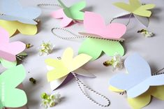 Lente vlinders knutselen voor in een paastak of gewoon om een beetje voorjaar in huis te halen. Uitleg en download. Diy For Kids, Crafts For Kids, Diy Butterfly, Spring Has Sprung, Easter Crafts, Girl Birthday, To My Daughter, Diy And Crafts, Easy Diy
