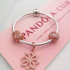 Pandora charm bracelet golden color theme $78.5 #pandoracharmbracelet#pandoranew#hot#pandorabracelet#europeancharmbeadbracelet#flower
