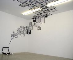 Photo Frames running across walls and ceilings Ceiling Design. Photo Frames running across walls and ceilings The post Ceiling Design. Photo Frames running across walls and ceilings appeared first on Fotowand ideen. Ceiling Design, Wall Design, Ceiling Art, Design Art, Design Ideas, Vitrine Design, Photo Frame Design, Picture Design, Plafond Design