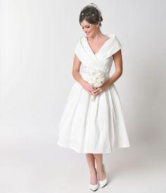 Vintage Style Ivory Cap Sleeve Amber Bridal Stretch Swing Dress