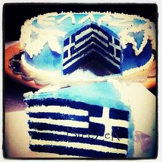Greek cake, I want it! Greek Sweets, Greek Desserts, Greek Recipes, Beautiful Cakes, Amazing Cakes, Greek Cake, Greek Memes, Greek Flag, Flag Cake