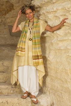 Golden Shantung tunic and sarouel-skirt, beaded jewelry