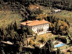 Wedding villa in Tuscany to hold your wedding in Tuscany near Florence.