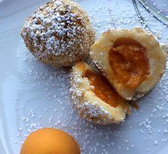 Marillenknödel - Backen macht GLÜCKlich - Stoibergut Salzburg Veggies, Breakfast, Sweet, Desserts, Food, Salzburg, Food And Drinks, Cooking, Morning Coffee