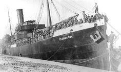 Spain - 1939. - GC - El final de la República en el puerto de Alicante.