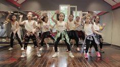 Dance Tips - Video : Piranha Zumba Fitness, Dance Fitness, Dance Tips, Dance Moves, Yoga Videos, Dance Videos, Baile Hip Hop, Workout, Zumba Kids