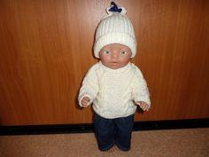 Muts, warme trui en spijkerbroek Baby Born 43 cm. Patroon De Breikraam