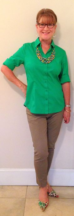 Style Savvy DFW: Honesty is the best policy -- bright top, neutral pants, variegated necklace and shoes.
