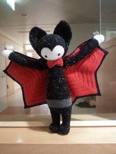 VLAD the vampire bat made by Petra M. / crochet pattern by lalylala