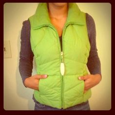 Kenneth Cole Reaction  Spring Green Vest Like new. Kenneth Cole Reaction Jackets & Coats Vests