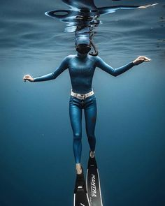 """""""The Big Blue"""": Astonishing Underwater And Freediving Photography By John Kowitz Scuba diving opens a whole new world for you. Sea Diving, Best Scuba Diving, Diving Suit, Scuba Diving Gear, Cave Diving, Diving Helmet, Underwater Photographer, Underwater Photos, Underwater Fish"""