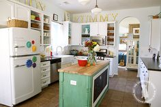 Their kitchen is my DREAM for my future kitchen :) It's also my inspiration for my makeover