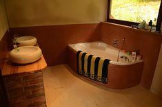Hliněná omítka vkoupelně Tadelakt, Corner Bathtub, Bathroom, House, Washroom, Home, Full Bath, Bath, Bathrooms