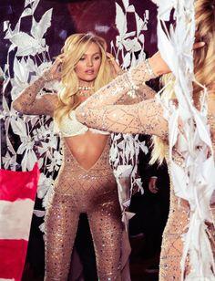 Candice Swanepoel at the 2015 Victoria's Secret Fashion Show...body goals obvi