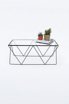 Tisch mit Rautengestell