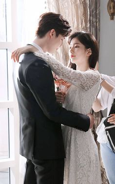 When You Were Sleeping / Wallpaper - Lockscreens / Lee Jong Suk / Bae Suzy / Jung Hae In Lee Jong Suk, Jung Suk, Romantic Movies, Romantic Couples, Cute Couples, Asian Actors, Korean Actors, Korean Dramas, Korean Celebrities