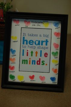 Heart thumbprints make a cute picture frame for the end of the year present for Kindergarten teachers from the class.  Room mom idea. Teacher Gifts, Picture Frames, Diy Gifts, Ideas, Home Decor, Homemade Home Decor, Presents For Teachers, Picture Frame, Diy Presents