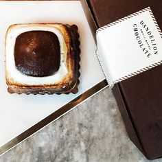 #SMORES: Everyone deserves a #sweettreat now & then! This one from @dandelionchocolate had my name on it! #nomnom #fbloggers Did you know that the @ferrybuilding has the cutest stands & seating area set up in the front of the #FerryBuilding including @dandelionchocolate @bluebottle @marlabakeryfb & @fortpointbeer! #sanfrancisco