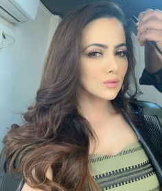 Like It 👍 or Love It 😘Sana Khan looks Super gorgeous Sana Khan Hot, Glamour Ladies, Celebs, Celebrities, Sport Girl, Hd Photos, Mobile Wallpaper, Bollywood, Photoshoot
