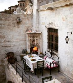 Interior Design Where To Start Dark Interiors, World Of Interiors, Outdoor Spaces, Outdoor Living, Outdoor Decor, Beautiful Space, Beautiful Homes, Exterior Design, Interior And Exterior