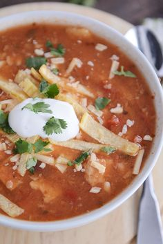 Chicken Tortilla Soup {Instant Pot, Stovetop, Slow Cooker}Really nice recipes. Every hour. Pressure Cooker Chicken, Instant Pot Pressure Cooker, Pressure Cooker Recipes, Pressure Cooking, Best Chicken Tortilla Soup, Chicken Soups, Soup Recipes, Healthy Recipes, Milk Recipes
