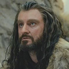 Thorin looking up