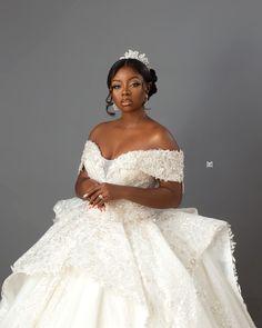 Wedding Looks, Bridal Looks, Bridal Style, White Wedding Dresses, Bridesmaid Dresses, Wedding Anniversary Photos, Black Bride, Wedding Inspiration, Wedding Ideas