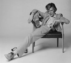 : David Bowie - Iconic Images Terry O'Neill > David Bowie<br> English singer, musician and actor David Bowie with dyed red hair and a mustard yellow suit photographed for a magazine in Los Angeles, circa Terry O Neill, Paul Newman, Steve Mcqueen, Eric Clapton, Amy Winehouse, David Bowie Poster, David Bowie Fashion, Yellow Suit, Les Beatles