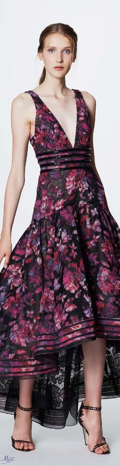 Marchesa Notte Resort 2017 Collection - Share The Looks Purple Fashion, Floral Fashion, Fashion 2017, Runway Fashion, High Fashion, Fashion Walk, Sweet Fashion, Fashion Forms, Fashion News