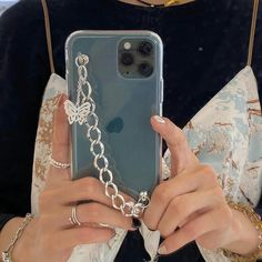 Butterfly Chain Case - iPhone 11