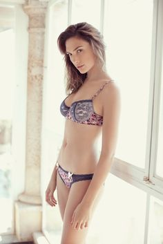 Gal Gadot - Beautiful Celebrities
