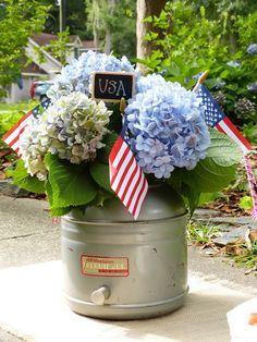 use an old thermos beverage cooler as a summer flower container! Summer Flowers, Pretty Flowers, Red White And Boom, Blue Party, Holiday Pictures, Container Flowers, Summer Picnic, Veterans Day, Flower Centerpieces