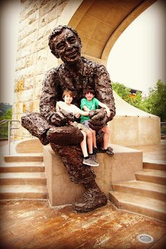 Mister Rogers Statue. Pittsburgh's North Shore.