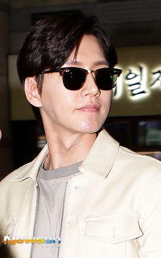park hae jin's world Korean Men, Asian Men, Asian Guys, Asian Actors, Korean Actors, Park Hye Jin, Love Park, Pretty Asian, Hyun Bin