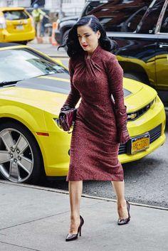 Being glamorous is good manners, says Dita Von Teese - dita von teese - Quinoa Recipes Fashion Mode, Curvy Girl Fashion, Retro Fashion, Plus Size Fashion, Vintage Fashion, Dita Von Teese Style, Dita Von Teese Burlesque, Vintage Dresses, Vintage Outfits