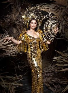 an experiential beauty, lifestyle and travel site based in the Philippines. Royal Dresses, Gala Dresses, Modern Filipiniana Gown, Philippines Dress, Filipino Fashion, Spanish Dress, Batik Fashion, Goddess Costume, Royal Clothing
